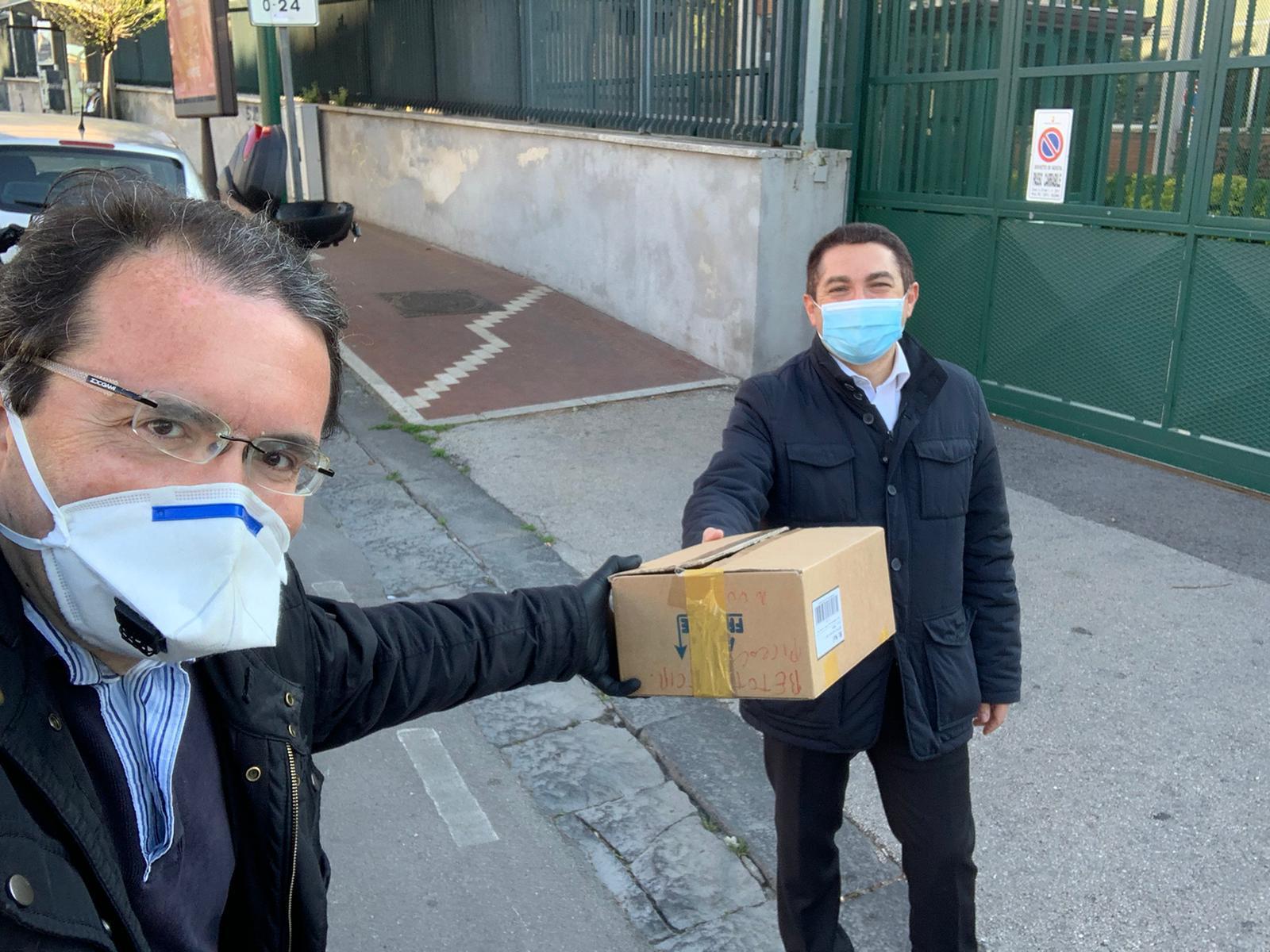 Consegna delle maschere monouso al Carcere di Carinola